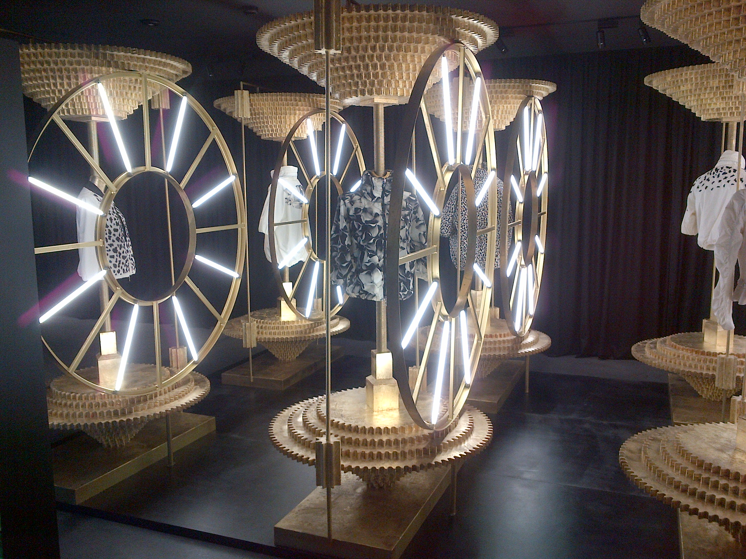 showroom moncler milano